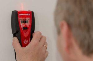 Использование детектора скрытой проводки