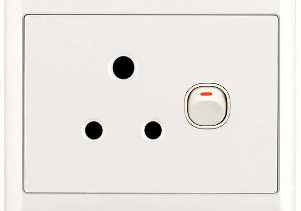 Электрическая розетка тип D (BS 546)